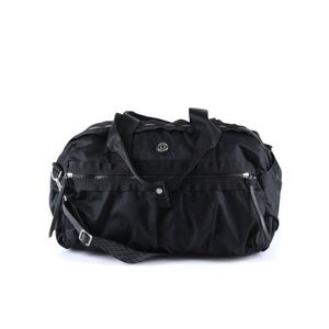 Lululemon Gym to Win Duffel Bag in Black
